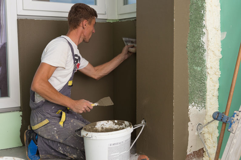 Eight Reasons to Hire a Professional Painting Contractor